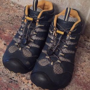 Keen boys Waterproof Hiking Boots